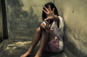 6 học sinh tiểu học xâm hại 1 bé gái 8 tuổi - lời cảnh tỉnh bố mẹ về mối nguy hại của những hình ảnh khiêu dâm