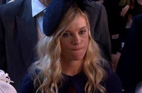 So sánh phản ứng của tình cũ hoàng tử Harry và chồng cũ Meghan trong lễ cưới hoàng gia