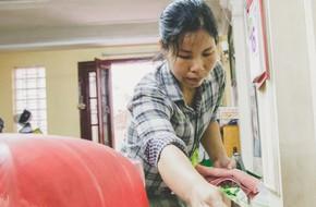 Chuyện chị Trang osin: Có nhà mà không được chăm, đi vun vén cho tổ ấm nhà người, có khi bị chủ nhà quỵt tiền công