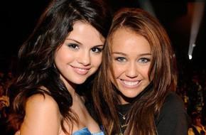 Từng ghét nhau không đội trời chung, Miley bỗng bảo vệ Selena khi cô bạn cũ bị chê 'xấu xí'