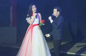 Clip: Hoa hậu Mỹ Linh lần đầu khoe giọng hát đầy cảm xúc khi song ca cùng Dương Triệu Vũ