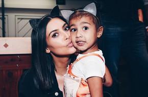 Mới 5 tuổi nhưng con gái Kim Kardashian đã được tặng quà sinh nhật toàn túi hàng hiệu đắt tiền
