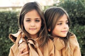 Giấu 2 con gái sinh đôi mãi đến năm 7 tuổi mới khoe hình, bà mẹ không ngờ cuộc đời họ đã thay đổi sau một đêm