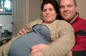 Phấn khởi đưa bạn gái vào bệnh viện chuẩn bị sinh 5, người đàn ông