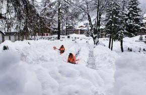 Hơn 13.000 du khách mắc kẹt ở khu du lịch trượt tuyết ở Thụy Sĩ