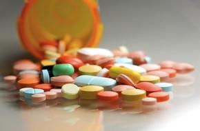 Lạm dụng những loại thuốc thông dụng này sẽ khiến bạn 'bất lực khi yêu'