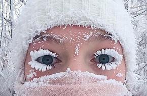Lạnh vài độ đã ăn thua gì, ngôi làng này lạnh tới -67 độ C đây: Lông mi đóng băng, cá không có cho vào tủ lạnh cũng 'hóa đá'