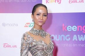 Tóc ngắn cá tính, nhưng Hoa hậu H'Hen Nie nên tránh chải tóc và trang điểm làm mình già hẳn đi thế này