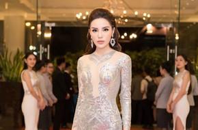 Hoa hậu Kỳ Duyên diện đầm ôm, không ngại khoe vòng 1 khiêm tốn trên thảm đỏ