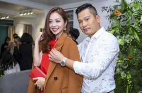 Chồng doanh nhân hộ tống Jennifer Phạm đi sự kiện