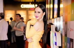 Đạt đẳng cấp hở bạo mới, Angela Phương Trinh diện đầm xẻ cao hút tận eo mới nổi bật