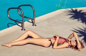 Sexy nhưng vô cùng quý phái: Đây chính là bí quyết giữ dáng, duy trì chân thon đẹp của siêu mẫu Constance Jablonski