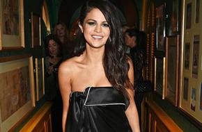 Selena Gomez mệt mỏi khi cố gắng làm
