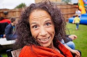 Kỳ lạ người phụ nữ uống nước tiểu của mình để... chữa ung thư