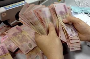 Nhân viên ngân hàng thu nhập từ 9 đến 17 triệu đồng/tháng