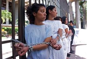 Nơi phụ nữ phải vào tù vì sảy thai