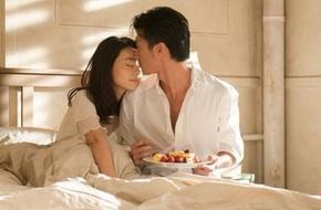 Tạ Đình Phong - Cao Viên Viên ăn sáng ngọt ngào trên giường