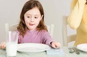 Giúp các mẹ phân biệt sữa tươi tiệt trùng và sữa tươi thanh trùng