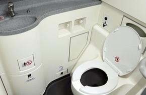 Phát hiện thi thể trẻ sơ sinh trong toilet máy bay