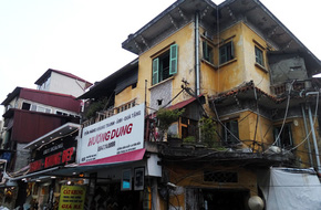 Hà Nội: 20 hộ dân và gia đình nghệ sĩ Chiều Xuân sống trong nơm nớp vì lo sợ nhà sập