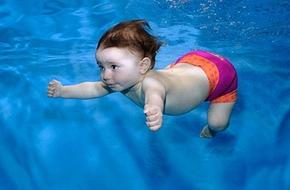 Bài 1: Cho bé làm quen với nước