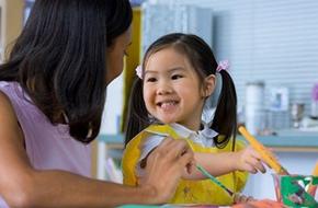 Khen con: những giới hạn cha mẹ nên cân nhắc