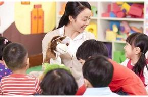 Giáo viên mầm non chọn phá thai để tiếp tục giảng dạy gây tranh cãi kịch liệt