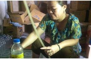 Nghệ An: Rùng rợn cơ sở chế dấm gạo từ axit