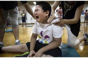 """Quá trình giảm cân khắc nghiệt của trẻ em béo phì Trung Quốc tại các """"lò luyện mỡ"""""""