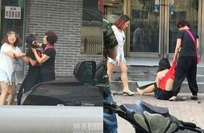 Trung Quốc: Đánh ghen kinh hoàng lột đồ, xé áo, cắt tóc tình địch vương vãi trên phố
