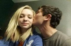 Mỹ: 2 học sinh trung học tự tử sau khi đăng tải ảnh tự sướng hạnh phúc trên Facebook