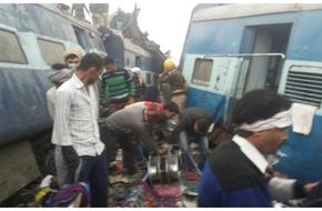 Số người chết trong vụ lật xe lửa Ấn Độ lên đến 91