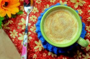 Khách đến chơi nhà mời ly cafe trứng thơm ngậy nồng nàn