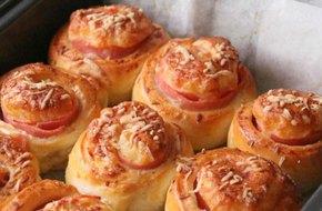 Bữa sáng ngon mà đủ chất với bánh mì nhân mặn mềm thơm