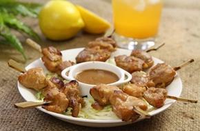 Món ngon cuối tuần: Gà xiên nướng kiểu Thái