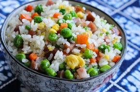 Ăn sáng với cơm chiên Dương Châu vừa đủ chất lại ngon mắt ngon miệng!