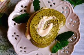 Mịn mượt thanh mát món bánh cuộn trà xanh kem tươi