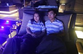 """Rạp chiếu phim """"vừa nằm vừa xem"""" lần đầu xuất hiện thu hút các cặp đôi ở Sài Gòn"""
