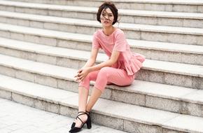 Mặc đồ đơn giản mà vẫn cuốn hút tới sở làm với gam màu hồng pastel