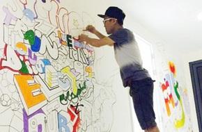 Chàng nhân viên căng tin vẽ tranh tường sống động