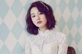 Kim Ji Won đẹp ngọt ngào tiết lộ muốn yêu người chung tình