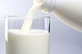 Bác sỹ Mỹ giải đáp: Sữa có thật sự gây loãng xương?