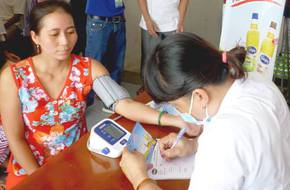 Nhiều người ngã ngửa khi biết mình bị bệnh tim mạch sau khi được bác sĩ thăm khám trực tiếp