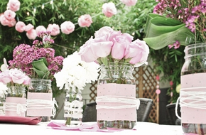 Mách bạn những loại hoa đẹp và ý nghĩa để trang trí nhà ngày cưới
