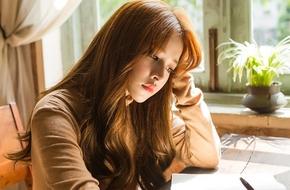 """Chi Pu đẹp thanh tú khoe giọng trong MV nhạc phim """"Yêu"""""""