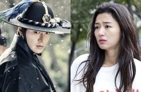 Lee Min Ho oai dũng đối đầu kẻ địch, Jun Ji Hyun bơ vơ lạc giữa phố đông