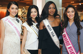 Lệ Hằng đẹp rực rỡ bên 10 thí sinh đầu tiên của Hoa hậu Hoàn vũ