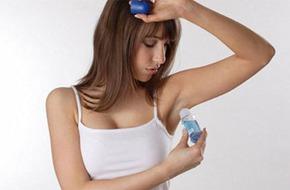 Bí quyết hạn chế mùi cơ thể khi trời nóng