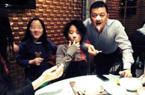 Lý Á Bằng tổ chức sinh nhật cho con gái riêng của Vương Phi