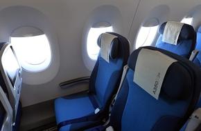 Vietnam Airlines nói gì về clip cửa sổ máy bay bị bung?